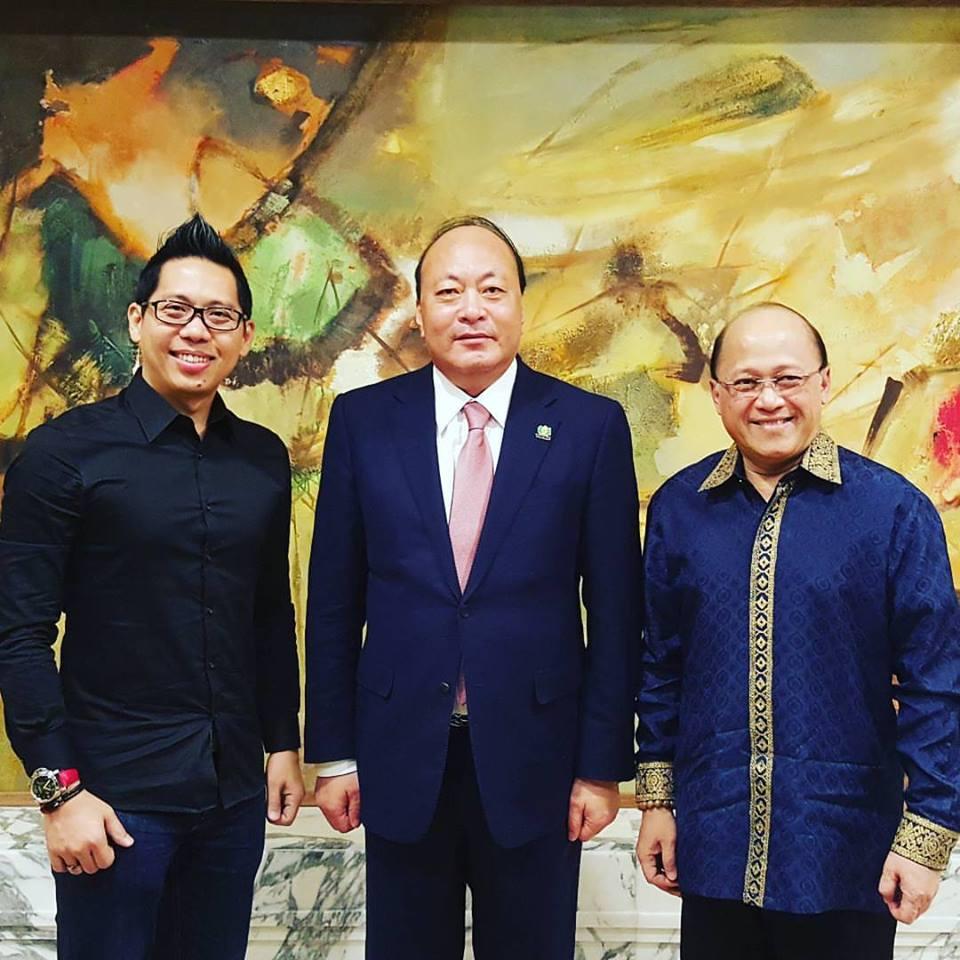 Mario-Teguh-dan-Coach-Yohanes-G_-Pauly-adalah-Satu-satunya-Motivator-dan-Business-Coach-yang-Terpilih-untuk-Bertemu-dengan-Orang-Terkaya-ke-24-di-China