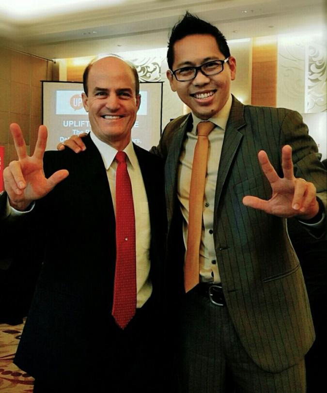 Coach-Yohanes-G_-Pauly-Founder-CEO-Master-Coach-dari-GRATYO<sup>®</sup>-bertemu-langsung-dengan-Ron-Kaufman-Global-Leading-Customer-Service-Consultant